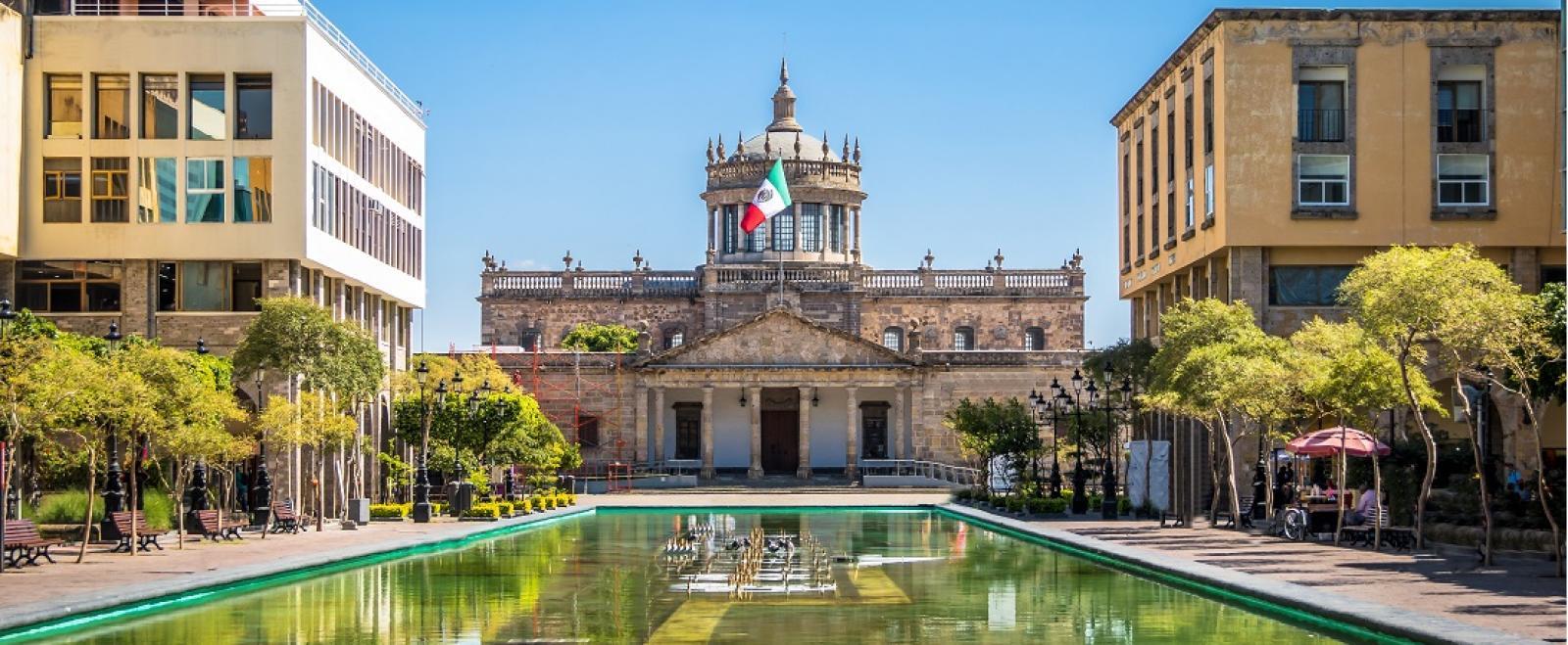 L'Hospicio Cabañas, un site du patrimoine mondial de l'UNESCO, situé à Guadalajara, au Mexique.